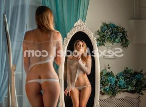 Ly-ann massage escorte à Roussillon