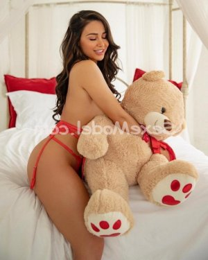 Nerma massage naturiste escort girl